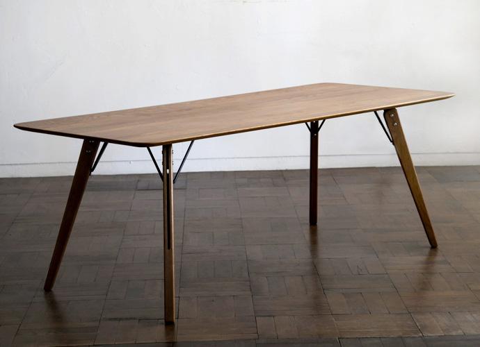 BACCHUS TABLE(バッカステーブル)