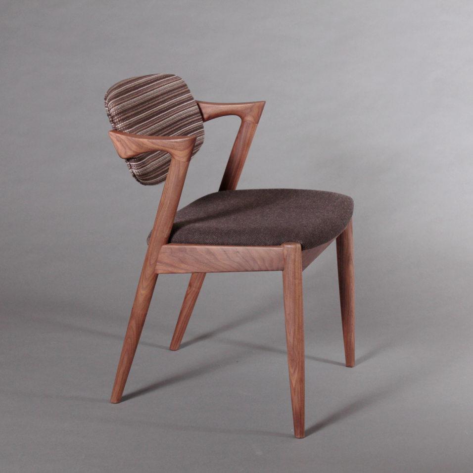 No.42 Chair デザイン変更のお知らせ