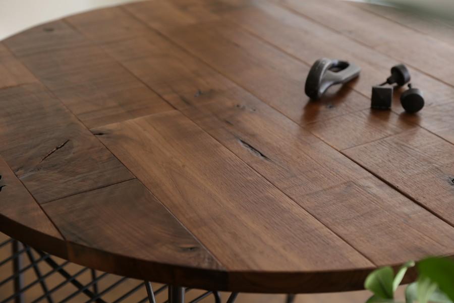 SOLID PANEL TABLE / Walnut