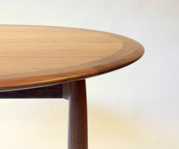Universe Round Table / Kai Kristiansen